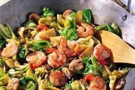Овощи по-азиатски с креветками в соевом соусе