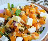 Теплый тыквенный салат с сыром