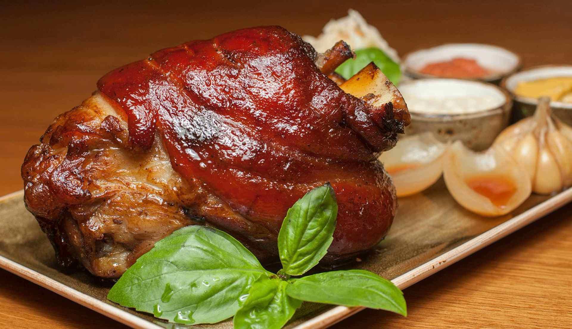 Рецепт приготовления свиной рульки