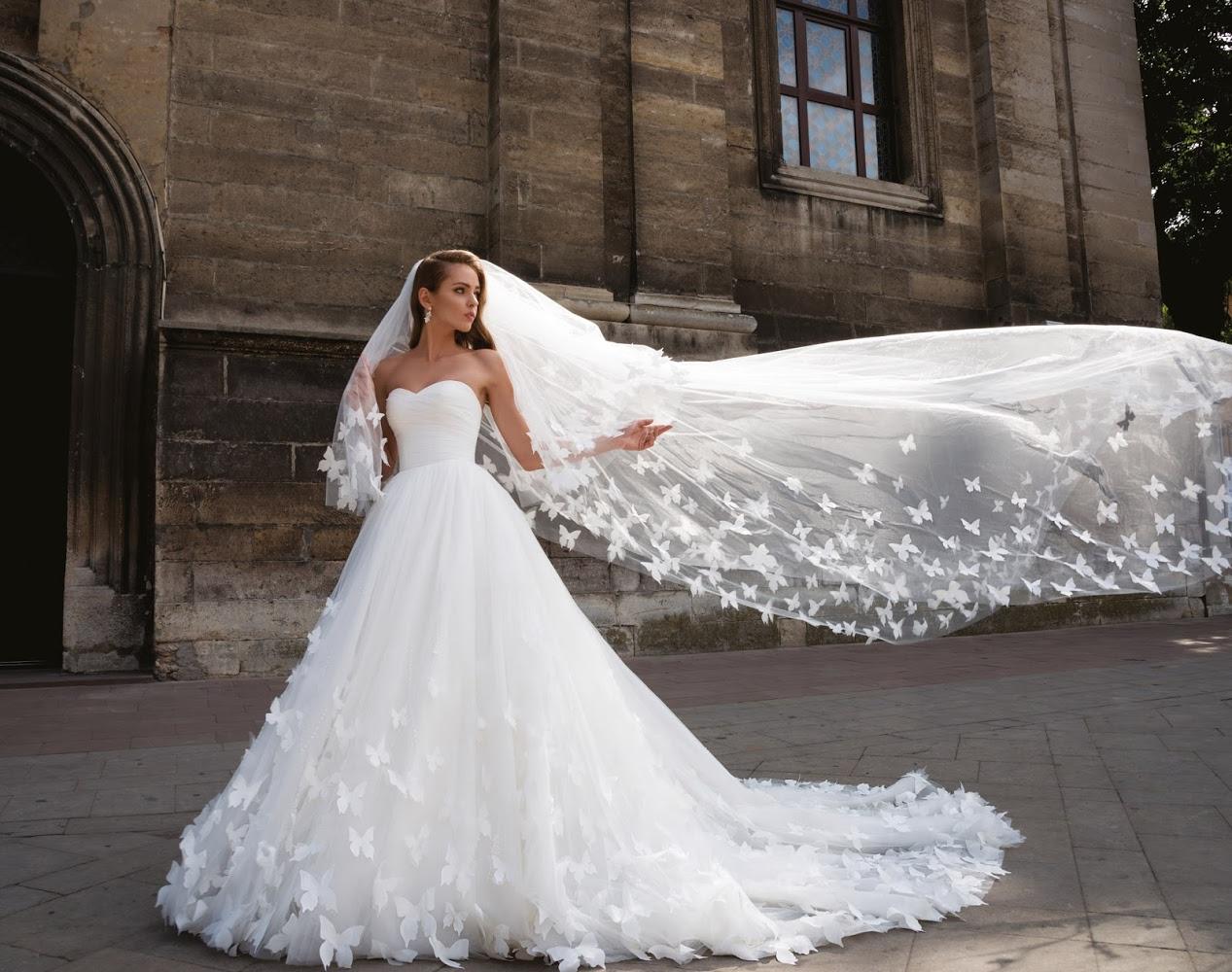 Преимущества и особенности покупки вечерних платьев в интернет-магазине