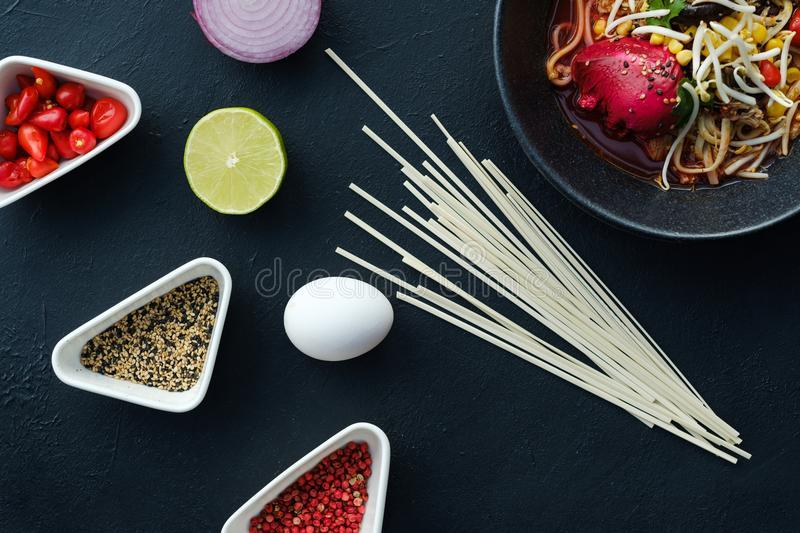Какие ингредиенты приносят блюду азиатский вкус