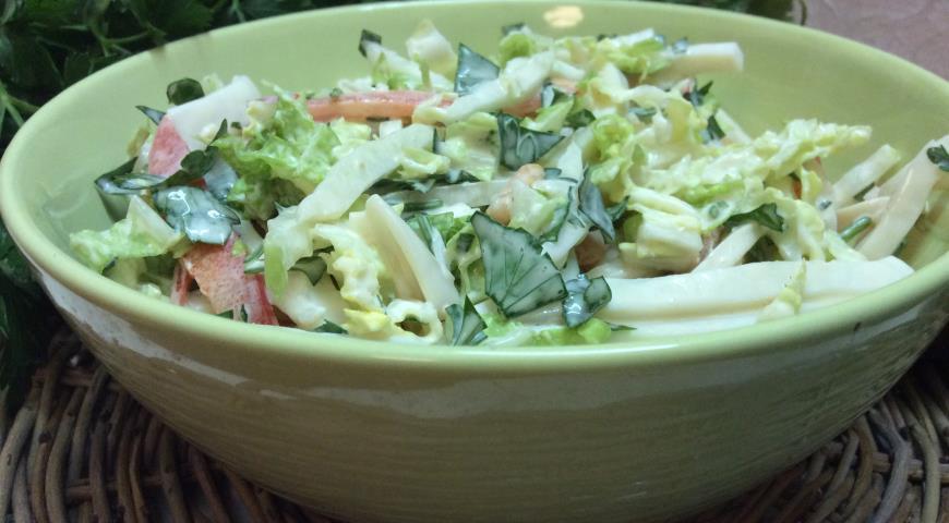 Постный салат с кальмарами