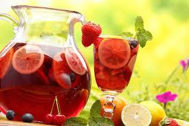 Винный напиток с фруктами
