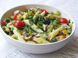 Тёплый салат с пастой