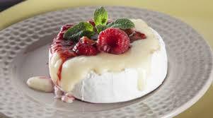 Торт Павлова с малиной и катыком