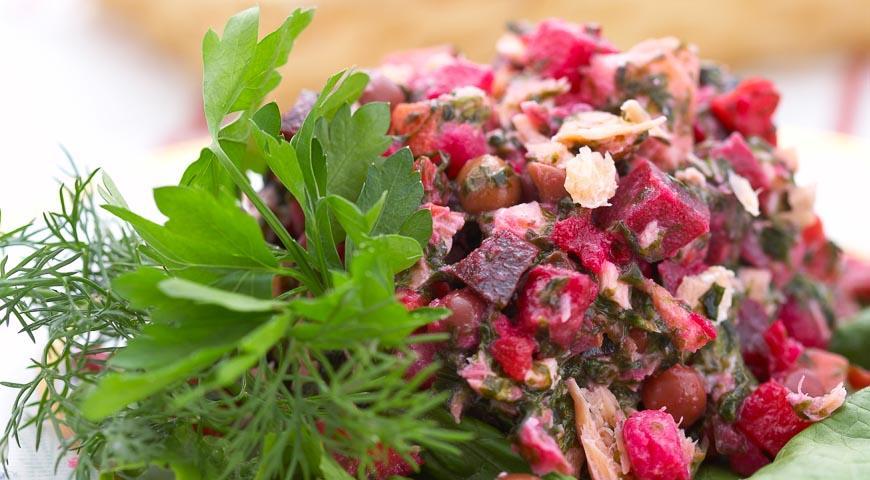 Салат Винегрет с морской капустой и рыбой