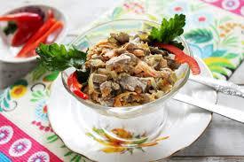 Салат из куриной печени и огурца