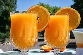Апельсиново-абрикосовый коктейль
