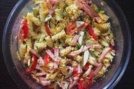 Итальянский цветной салат с пастой