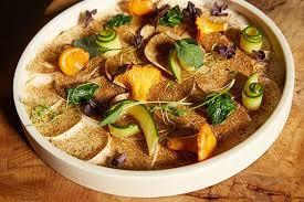 Теплый салат с репой, топинамбуром и свеклой