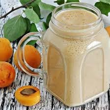 Абрикосово-персиковый молочный коктейль