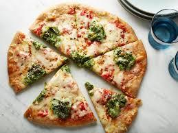 Летняя пицца с песто