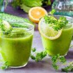 Смузи с кабачком, сливами и зеленью
