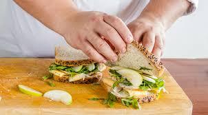 Горячий сэндвич с индейкой, сыром и яблоком