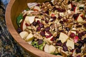 Салат с грецким орехом «Пикантность»