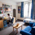 Как оборудовать комнату для студента