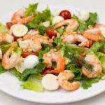 Новогодний салат без майонеза с морепродуктами