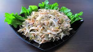 Салат с кальмарами и морской капустой