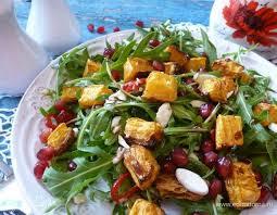 Салат из запеченной тыквы с рукколой и бальзамическим уксусом
