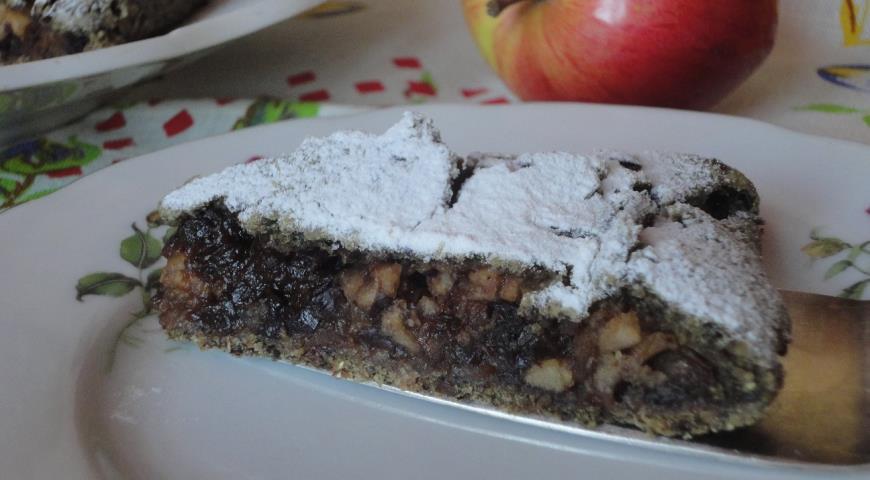 Овсяной пирог с яблоком и черносливом