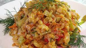 Тушеные кабачки с фаршем и рисом