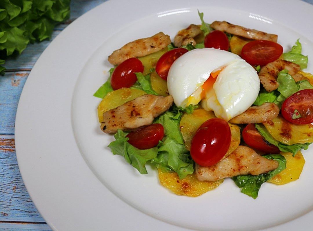 Салат с яйцом из жидкого центра