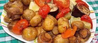 Овощи с грибами, запеченные в духовке