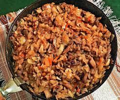 Солянка с грибами на сковороде