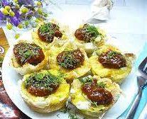 Сэндвичи с яйцом, овощами и горчичным соусом
